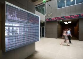 Σημαντικές πιέσεις στην Ευρώπη, «κραχ» στο Ελληνικό Χρηματιστήριο - Κεντρική Εικόνα