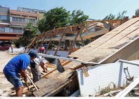 Καταγγέλουν κρούσματα αισχροκέρδειας στους πληγέντες από την κακοκαιρία στην Χαλκιδική - Κεντρική Εικόνα