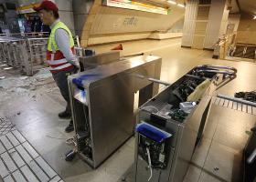 Χιλή: Άγρια επεισόδια στο Σαντιάγο λόγω της αύξησης της τιμής εισιτηρίου του μετρό - Κεντρική Εικόνα
