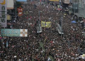 Χονγκ Κονγκ: Δεκάδες χιλιάδες διαδηλωτές ζητούν την παραίτηση της επικεφαλής της κυβέρνησης - Κεντρική Εικόνα