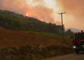 Ζάκυνθος: Εκκενώνονται τα χωριά Αγαλάς και Κερί καθώς η πυρκαγιά μαίνεται εκτός ελέγχου - Κεντρική Εικόνα