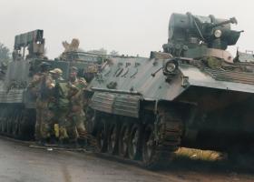 Η Αφρικανική Ένωση καταδικάζει το πραξικόπημα στη Ζιμπάμπουε - Κεντρική Εικόνα