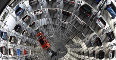 Αντιμέτωπες με μεγάλα πρόστιμα οι γερμανικές αυτοκινητοβιομηχανίες σε περίπτωση που αποδειχθούν οι υποψίες για μυστική συμφωνία τους - Κεντρική Εικόνα