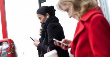 Smartphone, άγχος και διάσπαση προσοχής - Κεντρική Εικόνα