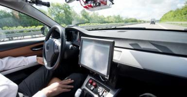 Αυτόνομη οδήγηση: Ποιος θα πληρώνει τη ζημιά; - Κεντρική Εικόνα