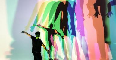 Φως και νερό του Ελίασον στην Tate - Κεντρική Εικόνα