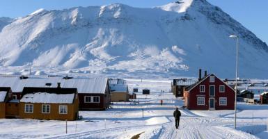 Απόλυτο ρεκόρ ζέστης 21 βαθμών Κελσίου καταγράφηκε την Κυριακή στον Βόρειο Πόλο - Κεντρική Εικόνα
