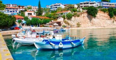 Δύο ελληνικά νησιά-έκπληξη στο τοπ-10 της Ευρώπης - Κεντρική Εικόνα