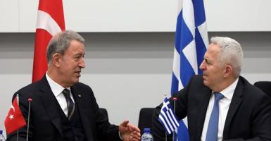 Τι συζητήθηκε στη συνάντηση Αποστολάκη με τον Τούρκο ομόλογό του - Κεντρική Εικόνα