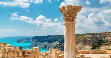 Πλήθος κόσμου στα εγκαίνια του 1ου Ελληνικού Φεστιβάλ Λιβάνου, στην αρχαία Βύβλο - Κεντρική Εικόνα