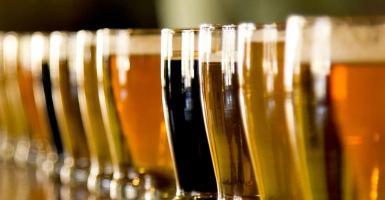 Πώς να παγώσετε τη ζεστή μπύρα μέσα σε 2 λεπτά! - Κεντρική Εικόνα