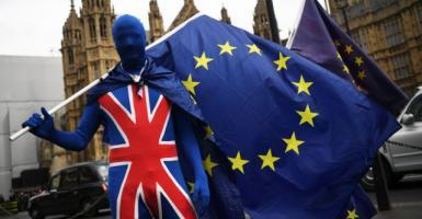 Brexit: Η ΕΕ δεν είναι ανοιχτή σε επαναδιαπραγμάτευση - Κεντρική Εικόνα