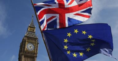 Brexit: Πώς θα εκδίδουν ΑΜΚΑ οι δικαιούχοι συμφωνίας αποχώρησης - Κεντρική Εικόνα