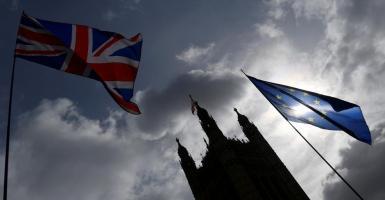 Brexit: Eνδεχόμενες υποχωρήσεις των Βρυξελλών προκαλούν εντάσεις στους κόλπους των 27 - Κεντρική Εικόνα