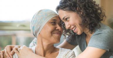 Επαναστατική μέθοδος εμποδίζει την απώλεια μαλλιών σε ασθενείς με καρκίνο - Κεντρική Εικόνα