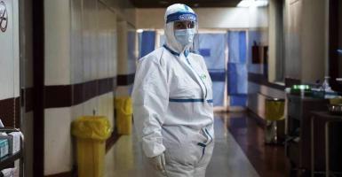 Κορωνοϊός: Στα 3.197 τα νέα κρούσματα, 732 οι διασωληνωμένοι – Τι δείχνουν τα λύματα - Κεντρική Εικόνα