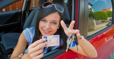Όλα τα νέα παράβολα οδήγησης: Από 48 ως 138 ευρώ - Πόσα θα κοστίζουν επέκταση και απώλεια διπλώματος (Λίστα) - Κεντρική Εικόνα