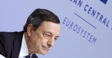 Εκτίναξη του ευρώ μετά τις δηλώσεις Ντράγκι για σταδιακή προσαρμογή της νομισματικής πολιτικής  - Κεντρική Εικόνα