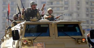 «Πράσινο φως» από τη Βουλή της Αιγύπτου για στρατιωτική επέμβαση στη Λιβύη - Κεντρική Εικόνα