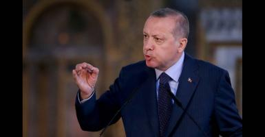 Ο Ερντογάν ζητάει ανταλλαγή των «8» με τους δύο Έλληνες  - Κεντρική Εικόνα