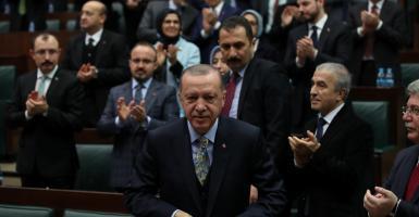 Διπλωματικός ελιγμός Ερντογάν: Εφαρμογή της συμφωνίας μόνο αν σταθεί στα πόδια της η κυβέρνηση της Λιβύης - Κεντρική Εικόνα