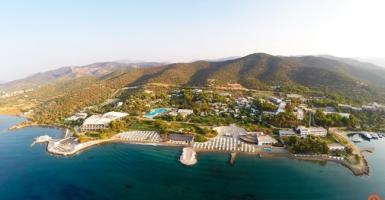 Στο σφυρί το ιστορικό ξενοδοχείο Hydra Beach στην Ερμιονίδα - Κεντρική Εικόνα