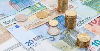 Οι 7... μαζεμένες πληρωμές Ταμείων, ΟΠΕΚΑ και ΟΑΕΔ πριν από το Πάσχα  - Κεντρική Εικόνα