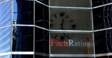 Fitch Solutions: Αναβαθμίζει τις εκτιμήσεις της για την ύφεση στην Ελλάδα - Κεντρική Εικόνα