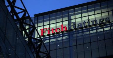 Σε αναβάθμιση καλυμμένων ομολόγων ελληνικών τραπεζών προχώρησε η Fitch - Κεντρική Εικόνα