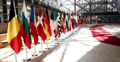 Politico: Οι αναποφάσιστοι θα καθορίσουν την έκβαση των ευρωπαϊκών εκλογών - Κεντρική Εικόνα