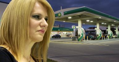 Τα... μυστικά αυτοκίνητα της Τζάκρη παραμονεύουν στα βενζινάδικα - Κεντρική Εικόνα
