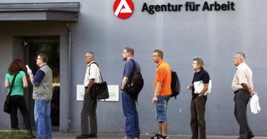 Ευρωζώνη: Σε χαμηλά δωδεκαετίας η ανεργία - Σε ποια θέση φιγουράρει η Ελλάδα (Διάγραμμα) - Κεντρική Εικόνα