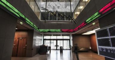 XA: Σταθεροποιητικές τάσεις στο άνοιγμα της σημερινής συνεδρίασης - Κεντρική Εικόνα