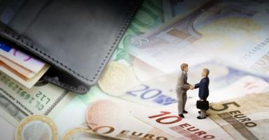 Κατώτατος μισθός: Στα 13 ευρώ το μήνα η αύξηση - Κεντρική Εικόνα