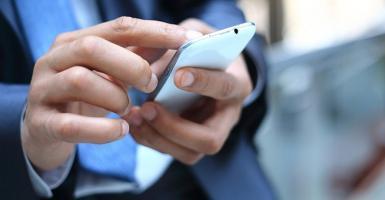 Δύο εύκολοι τρόποι για να βρείτε το κινητό σας όταν είναι στο αθόρυβο - Κεντρική Εικόνα
