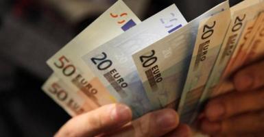 Κατά 42% μειώθηκε το εισόδημα των ελληνικών νοικοκυριών την πενταετία 2009-2014 - Κεντρική Εικόνα