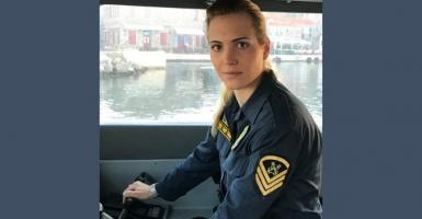 Μαρία Κόντη:  Η μόνη γυναίκα κυβερνήτης σκάφους στα ανατολικά σύνορα - Κεντρική Εικόνα