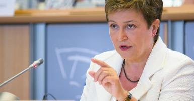 Η Γκεοργκίεβα προειδοποιεί για παγκόσμια επιβράδυνση της οικονομίας - Κεντρική Εικόνα
