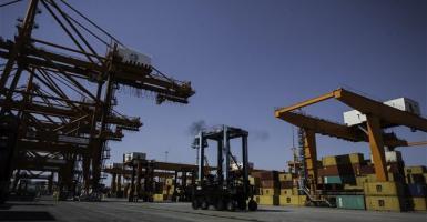 Μείωση 22,9% στο έλλειμμα εμπορικού ισοζυγίου - Κεντρική Εικόνα
