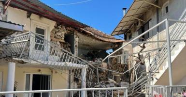 Ελασσόνα: Νεκρός 83χρονος που έδινε μάχη στο νοσοκομείο μετά το σεισμό - Κεντρική Εικόνα