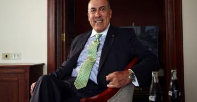 Μουχτάτ Κεντ: Από τον Μόλυβο στην κορυφή ενός παγκόσμιου επιχειρηματικού κολοσσού - Κεντρική Εικόνα