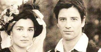 Κάποια χρόνια πριν: Η Μαρία Ναυπλιώτου και ο Σάκης Ρουβάς με παραδοσιακές στολές (photo) - Κεντρική Εικόνα