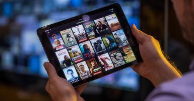 Συγχώνεση της Warner Media και της Discovery με «στόχο» το Netflix - Κεντρική Εικόνα