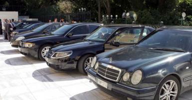 Πολυτελείς Mercedes και BMW σε τιμές σκούτερ βγάζει στο «σφυρί» ο ΟΔΔΥ (λίστα) - Κεντρική Εικόνα