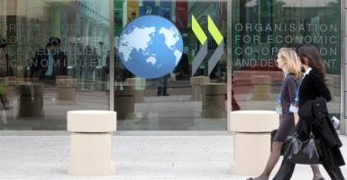 ΟΟΣΑ: Δεύτερο κύμα κορωνοϊού φέρνει ύφεση κοντά στο 10% το 2020 - Ποια μέτρα συστήνει - Κεντρική Εικόνα
