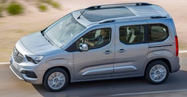 Η Opel πρωταγωνιστεί στα ελαφρά επαγγελματικά  - Κεντρική Εικόνα