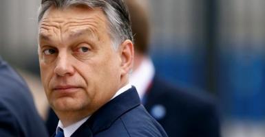Ο Ορμπάν τάσσεται υπέρ της Πολωνίας στη διαμάχη της με την ΕΕ - Κεντρική Εικόνα