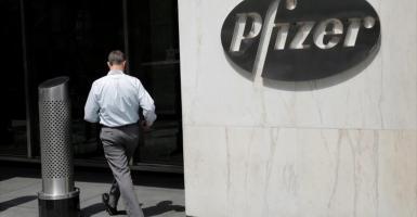Θεσσαλονίκη-Pfizer: Ο αμερικανικός φαρμακευτικός κολοσσός ξεκίνησε 200 προσλήψεις για τη μεγάλη επένδυση - Κεντρική Εικόνα