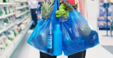 Πώς θα μεταφέρετε με ασφάλεια τα ψώνια του σούπερ μάρκετ σε επαναχρησιμοποιούμενες τσάντες - Κεντρική Εικόνα