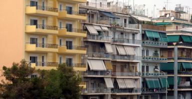 Κοινόχρηστα πολυκατοικιών: Έρχονται αυξήσεις για ενοικιαστές και ιδιοκτήτες - Κεντρική Εικόνα